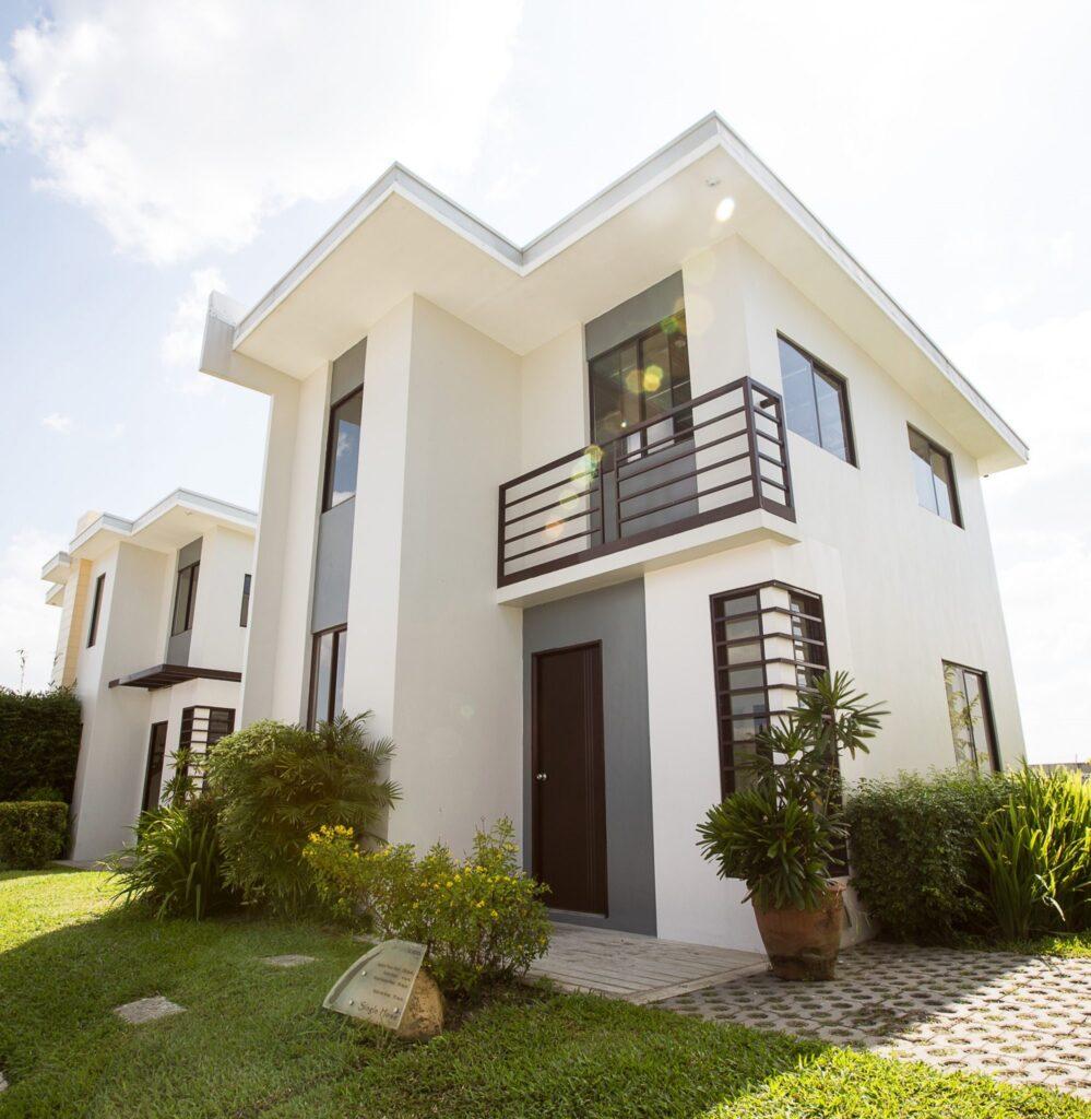 بيت للبيع في الكويت